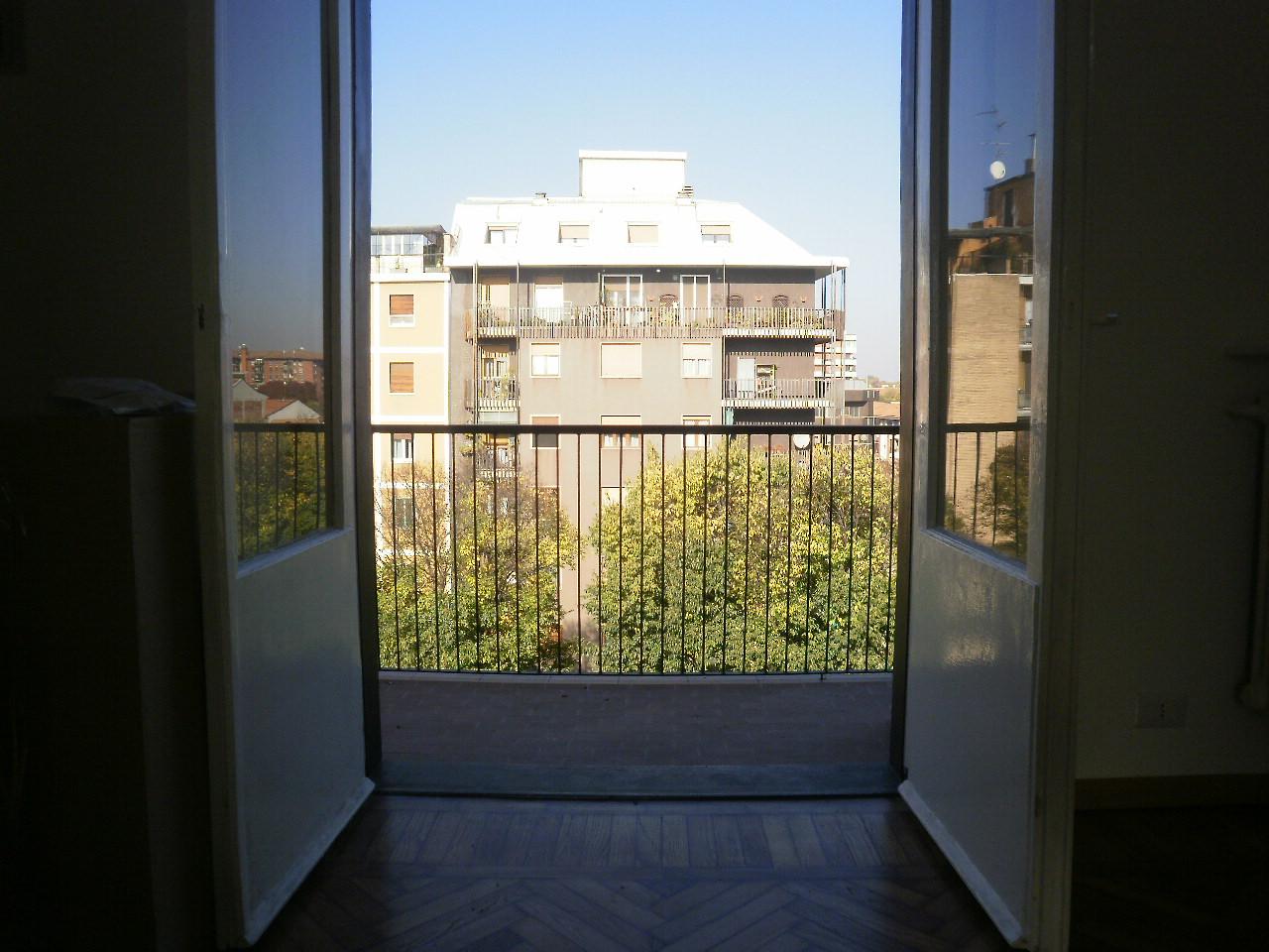Affittasi Monolocale _ Zona Lambrate_ Via Rombon – IN TRATTATIVA